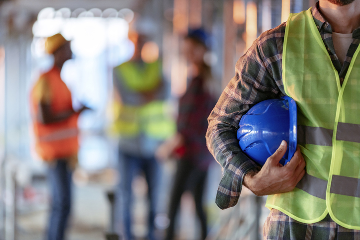 Różnice między odzieżą roboczą a ochronną